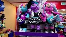 Un et un à un un à et homme chauve-souris ours construire filles miel homme araignée farci super-héros ourson jouets épisode PTU