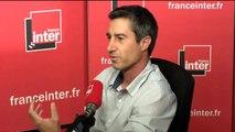"""François Ruffin : """"Moi on m'a confié une écharpe, qui a un rôle aussi en dehors de l'Assemblée Nationale."""""""