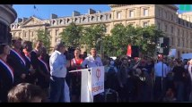 Jean-Luc Mélenchon ne veut pas travailler l'été et le fait savoir (vidéo)