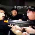 La blague ou la folie de ces Coréens le plus drôle dans cette vidéo ?