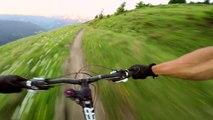 Courchevel: Une course-poursuite extrême en vélo avec une marmotte !