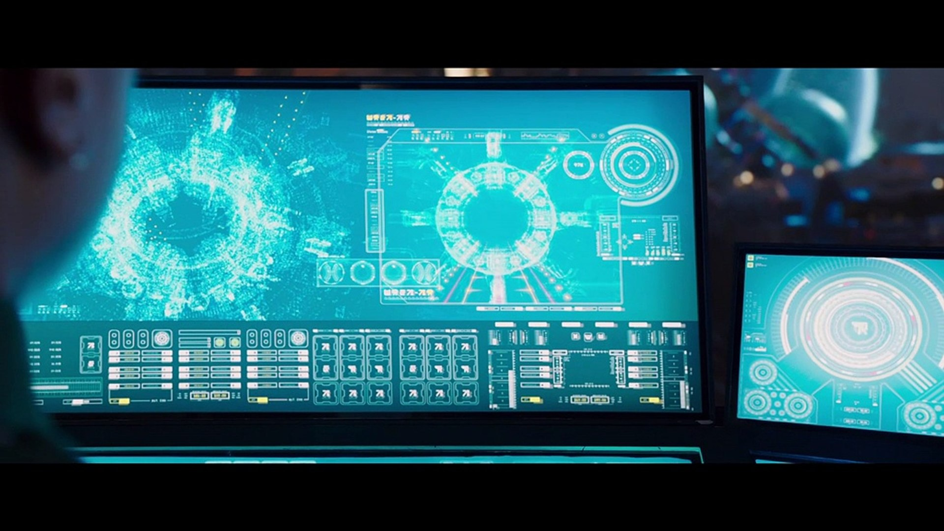 Valerian And The City Of A Thousand Planets - Clip - Welcome To The City Of A Thousand Planets