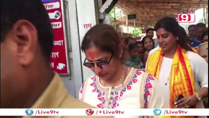 Sridevi at Siddhivinayak Temple to seek blessings for her movie 'Mom'