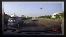 軽トラ 横転事故