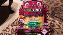 Et par par en train de manger boîte dallumettes examen des roches enfumé jouet jouets déballage Véhicules Dinotrux garby familyto