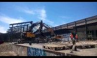 Rive-de-Gier Duralex : la démolition de la première halle se poursuit