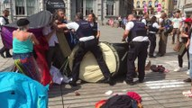 La police de Namur évacue un campement de la place d'Armes
