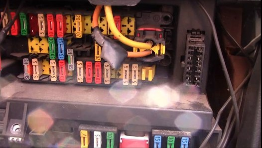Citreon Berlingo Fuses Fuse Box And Relay Locations   Glow
