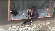 Bruxelles: il se shoote à l'héro devant les passants