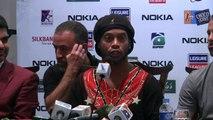 Ronaldinho Gaúcho promove futebol no Paquistão