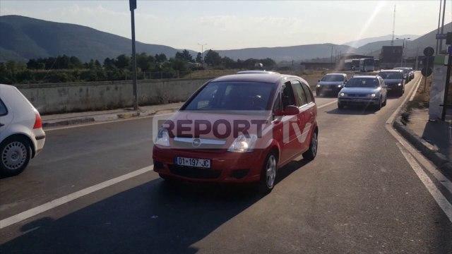 Report TV - Nisen për pushime në Shqipëri fluks mjetesh në doganën e Morinit