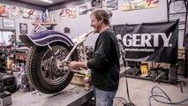 Démontage intégral d'une moto Harley-Davidson filmé en accéléré !