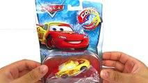 Et attaqué par par des voitures changeurs couleur chaud foudre roues Disney pixar mcqueen thomas s
