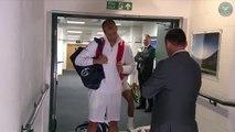 Rafael Nadal se cogne au plafond juste avant son match contre Muller...