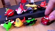 Au-dessus de avions poussiéreux avions monde Disney microdrifters rochelle chupacabra mattel pixar