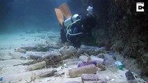 Regardez la quantité impressionnante de déchets qui jonchent le fond de l'océan
