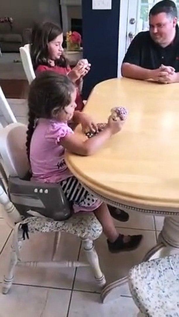 Pai de 4 meninas tem reação incrível depois de saber que ia ter OUTRA menina
