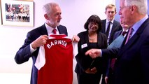 Jeremy Corbyn gifts Arsenal shirt to EU Brexit chief