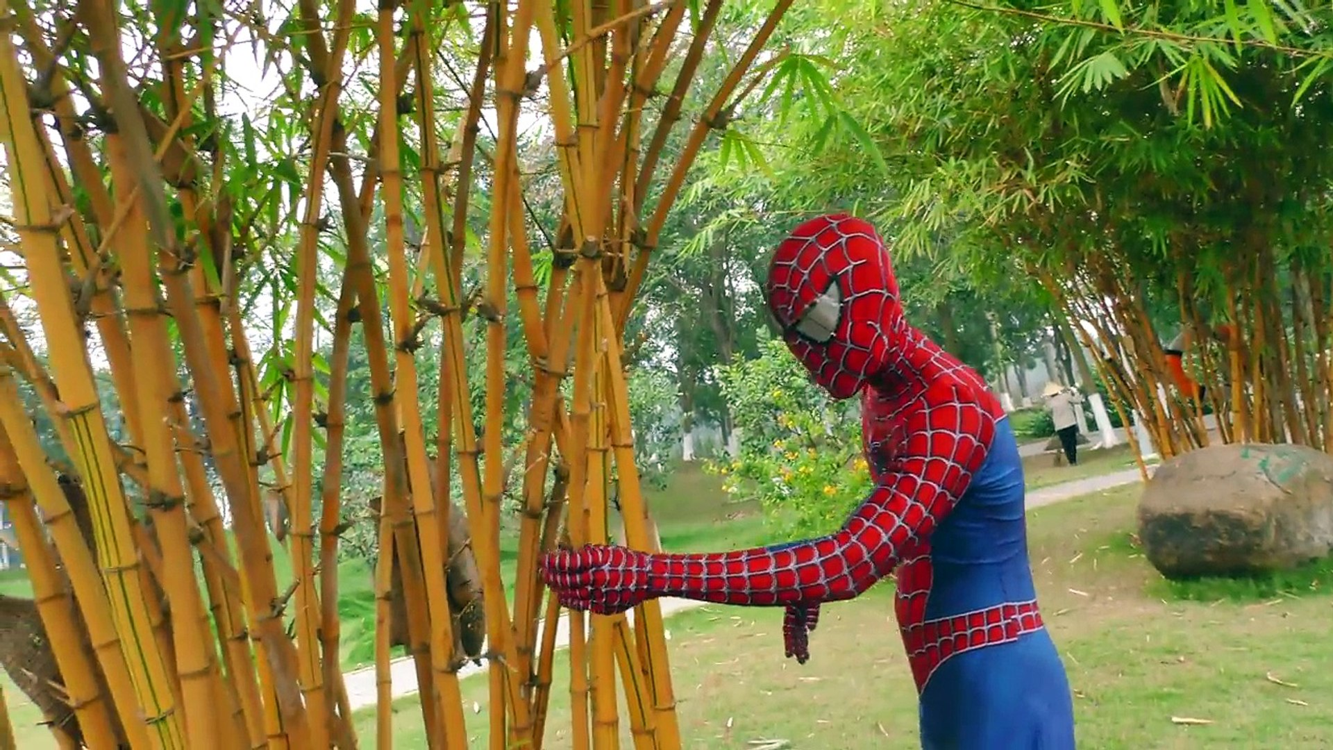 1.2.3. FLY Spiderman SAW Monster Attack! Superheroes War 2-HEADED SHARK HULK JOKER Action Movies