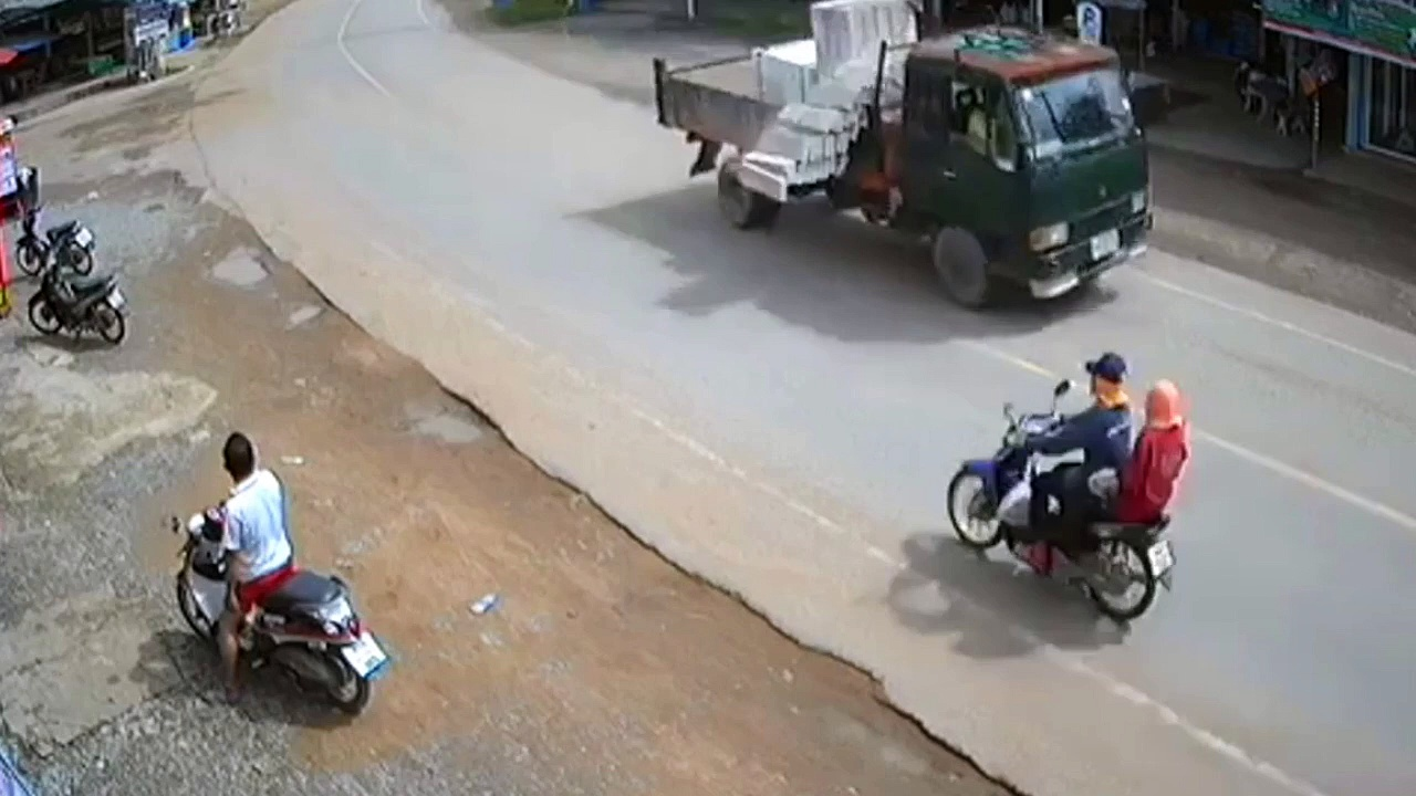 Un motard est passé pas loin de l'accident grave !