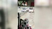 İstanbul'da sağanak yağış ve fırtına böyle görüntülendi