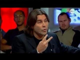 Stéphane Pauwels doigt d'honneur