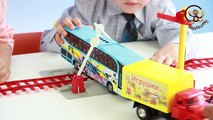 Coches y juguetes Ana Starbuck para jugar con coches de juguete al transporte público por ferrocarril