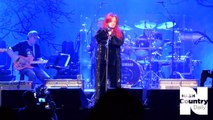 """Wynonna Judd """"On the Other Hand"""" – 2017 Randy Travis Tribute Concert"""