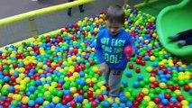 Et balle des balles gros pour Jai le intérieur enfants fosse Cour de récréation piscine curseur avec et aire de jeux