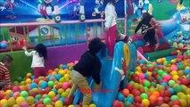 Balle des balles pour amusement amusement enfants placer jouer Cour de récréation chambre avec Centre playro