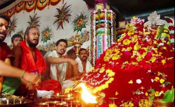 जाने किस और मुह करके घर के मंदिर में करनी चाहिए पूजा और क्या हे घंटी का महत्व