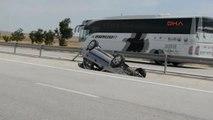 Konya Takla Atan Otomobildeki 4 Kişi Yaralandı
