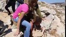 Un soldat de Tsahal brutalisant un enfant arabe