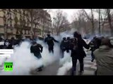 Inside brutal Paris clashes: Chaos & tear gas as thousands protest labor reform