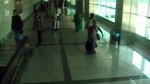Atatürk Havalimanı'nda polisi hayrete düşüren görüntü! Bağırsaklarından çıktı