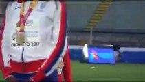 Une athlète biélorusse descend du podium à cause du mauvais hymne national !!