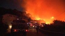 Les images de centaines d'hectares en flamme pendant la nuit