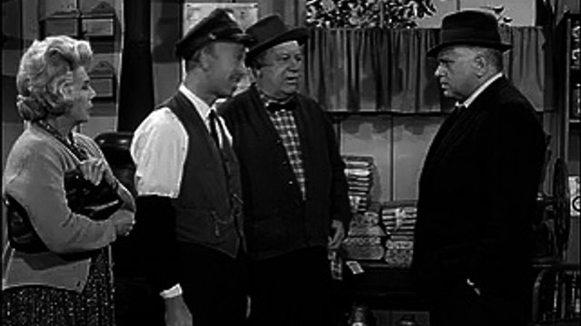 Petticoat Junction S2 E19 - Hooterville Crime Wave