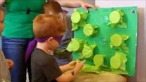 Fête des jeux pour Jeune enfants bonjour amis et Bienvenue à amusement des jeux pour enfants