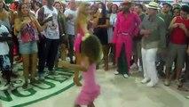À danse école Voir létablissement tuyau samba samba pré-carnaval