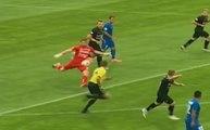 Incroyable : un gardien biélorusse marque un but sur un dégagement de sa propre surface !