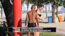 Une femme demande à un homme de lui laver le dos dans une douche de plage, puis d'échanger les rôles, et là, c'est le drame...