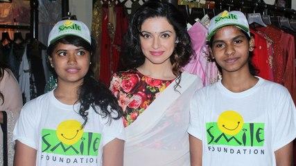 Divya Khosla Kumar At Indulge4Smile A Charity Trunk Show