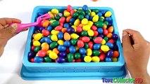 Et ours Bonbons des œufs pour cacher enfants monstre chercher le le le le la jouets université Masha surprise