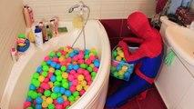 Et bébé balle bain gelé amusement amusement dans fosse piscine réal homme araignée super-héros temps équipe Elsa w elsa ★ l