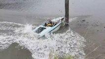 Crash- Un homme écrase un bateau à grande vitesse !!