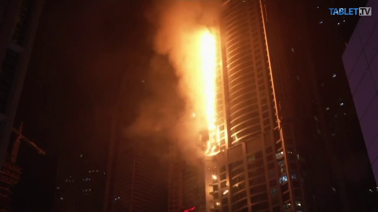 Obytný mrakodrap Torch Tower v Dubaji skončil v plameňoch