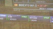 Las pérdidas de la banca llevan al Ibex a reducir las ganancias al mediodía