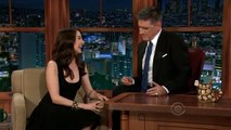 Alison Brie Craig Notices Whenever Brie Leans Forward 2/2 Appearances In Chron. Order [108