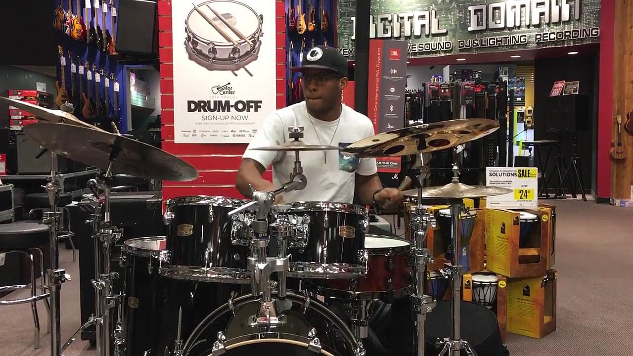 1074 Desmond Howard Guitar Center Memphis Drum Off Finals